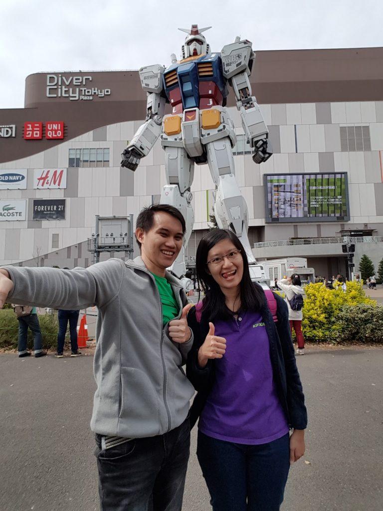 Life-size Gundam di Odaiba
