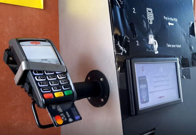 BTS: Bayar Toilet Pake Credit Card
